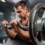 Quantas séries por semana geram o máximo de hipertrofia e força muscular?