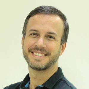 Pablo Corrêa - Enfermagem em Cuidados Intensivos (UTI)