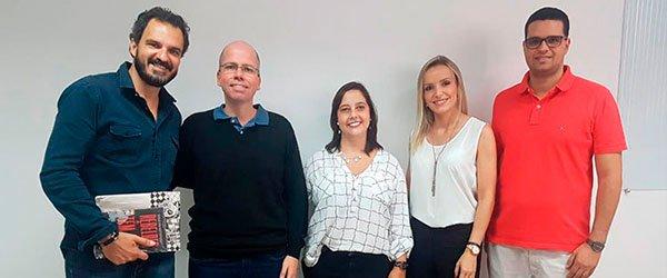 Os professores Nikola Arsenic, José Ricardo, Aline Gouvêa, Juliana Borges e Bruno Fernandes na aula inaugural de Pós-graduação em Técnicas Projetuais e BIM