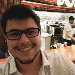 Dr. Lucas Machado